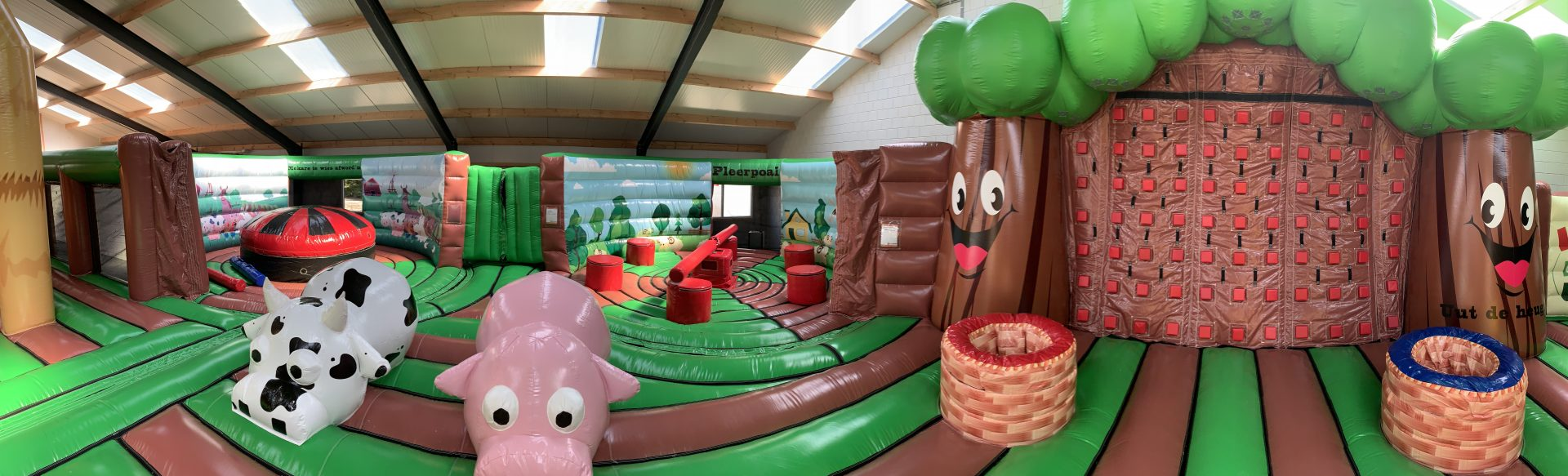 Heather Inflatable PArk farm theme - Jump Factory